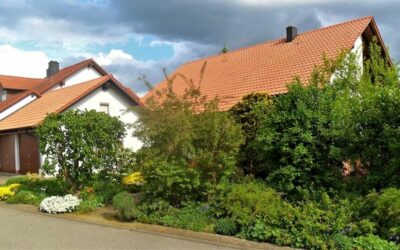 Dach und Garage war vor der Behandlung mit unserem Roof-Bi…